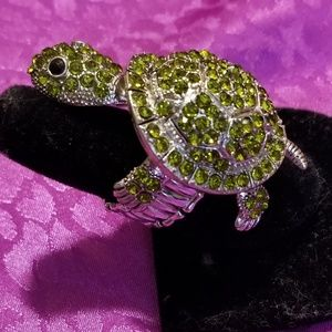 large reticulated green rhinestone turtle ring